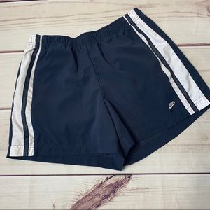 Nike • women's fashion shorts size 4-6